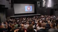 publika-sa-projekcijom